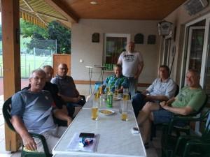 55+ Meister m. Bier + Wirt